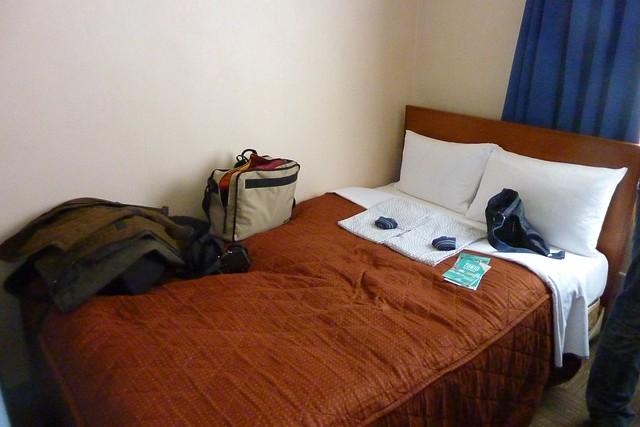 0027  En el hotel
