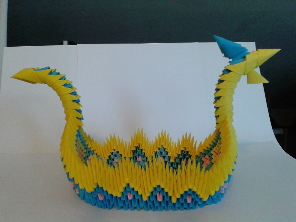 Origami 3D Dragon Boat