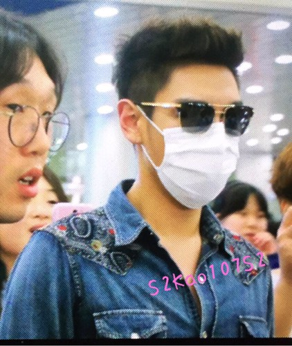Big Bang - Gimpo Airport - 20may2015 - TOP - S2kao107S2 - 01