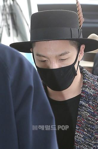 Big Bang - Incheon Airport - 21mar2015 - Tae Yang - Herald Corp - 04