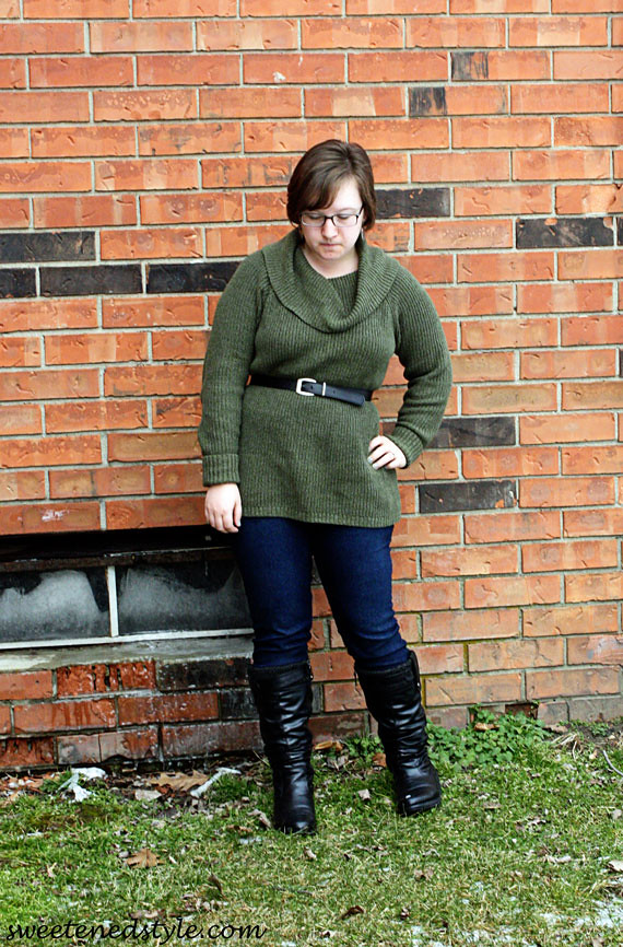 olive sweater tunic, jeggings