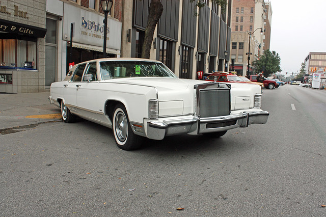 1978 lincoln continental town car 2 of 3 flickr photo sharing. Black Bedroom Furniture Sets. Home Design Ideas