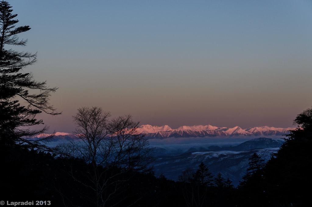 20130203 モルゲンロートに染まる穂高連峰