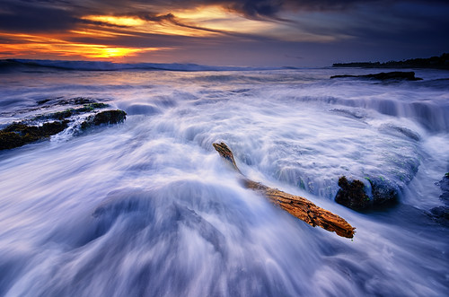 wood sunset sea bali sun seascape motion beach water rock indonesia landscape log nikon day lima cloudy hard wave tokina filter lee nd graduated waterscape gnd canggu 1116mm d7000