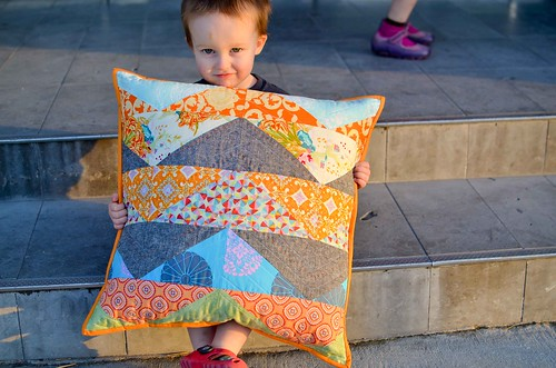 intrepid thread scrap challenge pillow 2