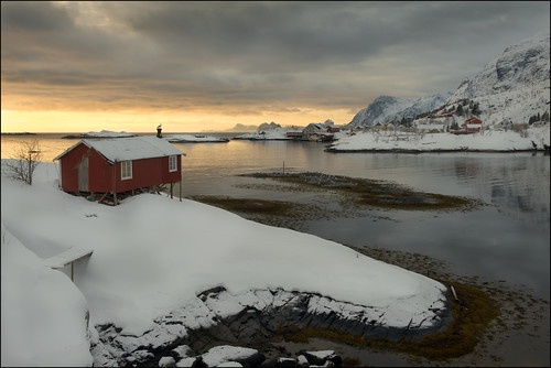 Fisherman's Cabin - Tind, Lofoten Islands by geospace
