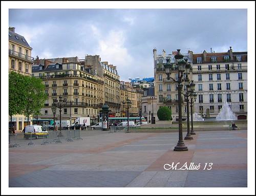 Paris by Miguel Allué Aguilar