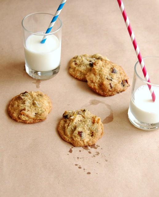 Fruit and nut cookies / Cookies de frutas secas