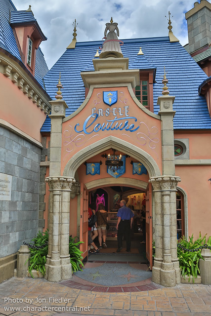 WDW Sept 2012 - Wandering through Fantasyland