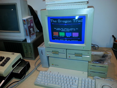 Here is how that same The Oregon Trail color chart looks on the Apple IIGS.