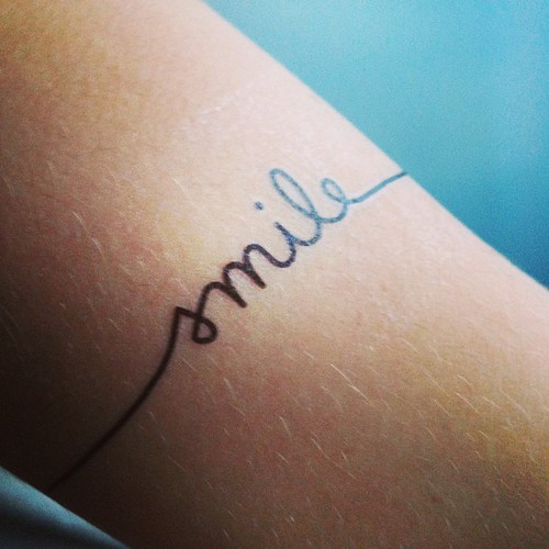 { Don't forget to } smile dixit @tattly :) .@emma_bregnard