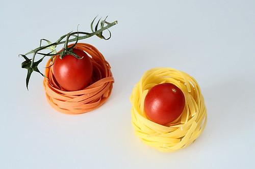 Huevos rojos by Cebolledo