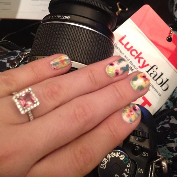 My #luckyfabb mani? #diy mirrored print nail wraps. #notd #nailart #nailpolish #nailstagram #nailsofinstagram #instamani