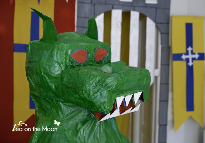 Cumpleaños caballeros craft dragón cartón 0