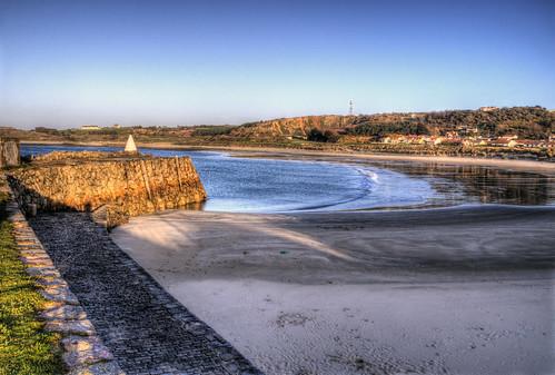 uk seascape water sand europe unitedkingdom britain sandy alderney guernsey channelislands braye brayebay douglasquay brayebeach bailiwickofguernsey crowndependencies