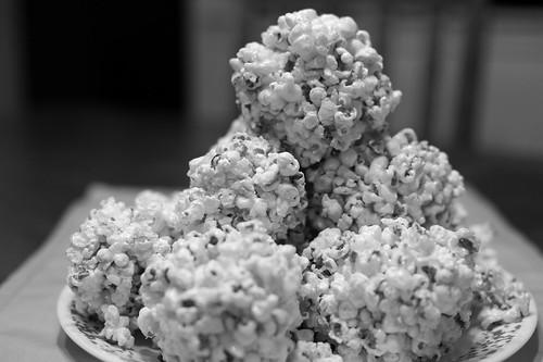 016 popcorn balls
