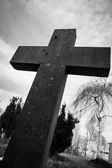 Cross // Grabkreuz