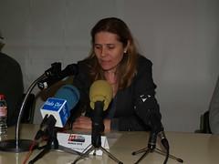 Núria Fité, regidora d'Educació de l'Ajuntament d'Olot, durant la seva intervenció a l'acte.