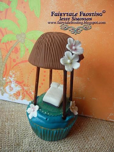 Fiji Hut Cupcake