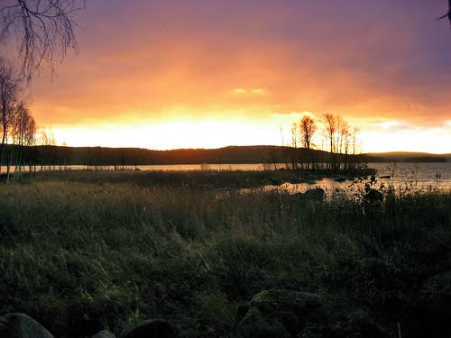 morning autumn lake nature sunrise suomi finland purple jyväskylä jyvaskyla 2007 luminance purplesky keskisuomi centralfinland nenäinniemi nenainniemi