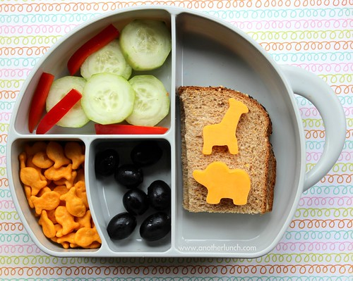 Boon Trunk Snack Box elephant preschool lunch with hummus sandwich and cute cheddar cheese