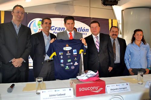 Se presentó el Gran Triatlón Pacífico Mazatlán 2013