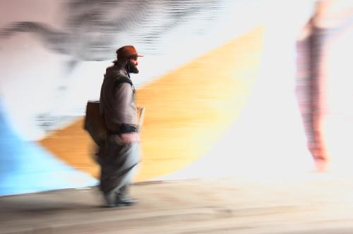 uomo che cammina by CristianaCascioli