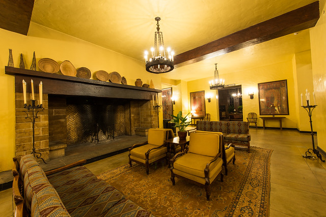 The overlook hotel the colorado room the ahwahnee hotel for Overlook hotel decor
