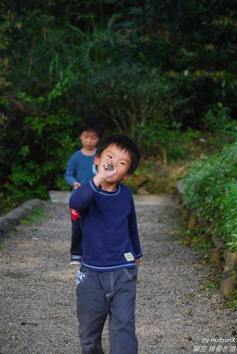 宇哥勛弟玩石頭(1)