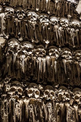 world heritage portugal church canon skeleton kirche unesco chiesa monastery dos convento bones 5d cloister alentejo evora kloster chiostro monastero portogallo ossos capela ossa patrimonio skelett mondiale scheletro gebein