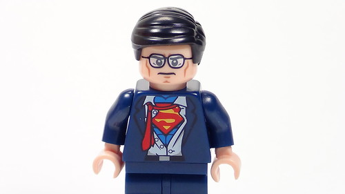 Clark Kent Minifigure from Lego Batman: The Movie DC Superheroes Unite DVD