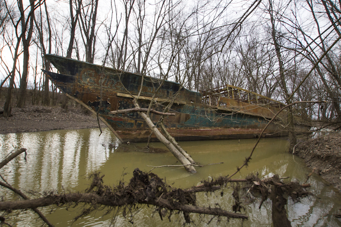 Queen city discovery the ghost ship for Fishing in cincinnati