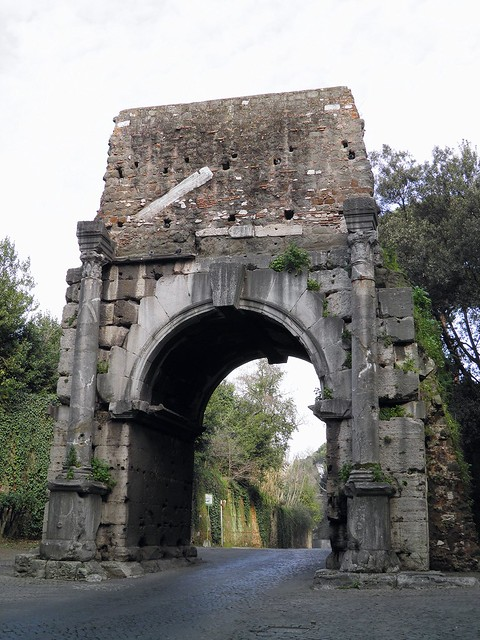 The so-called Arch of Drusus, erroneously attributed to Nero Claudius Drusus (father of Claudius), arch is a monumentalisation of one of the spans of the Antonine aqueduct, Via Appia