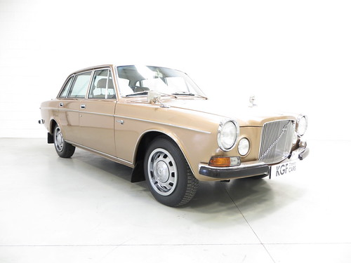 a luxurious volvo 164 in immaculate condition full. Black Bedroom Furniture Sets. Home Design Ideas