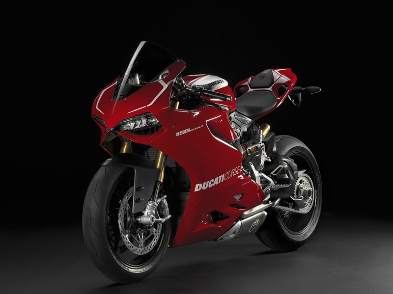 2013-ducati-1199-panigale-r-official-pictures-photo-gallery_5