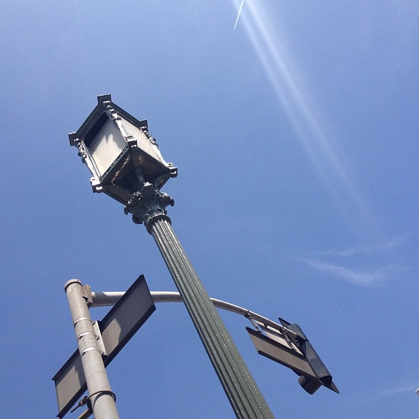 Beautiful old streetlights on Wilshire I'd never noticed before.