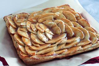 Salty Caramel Apple Tart