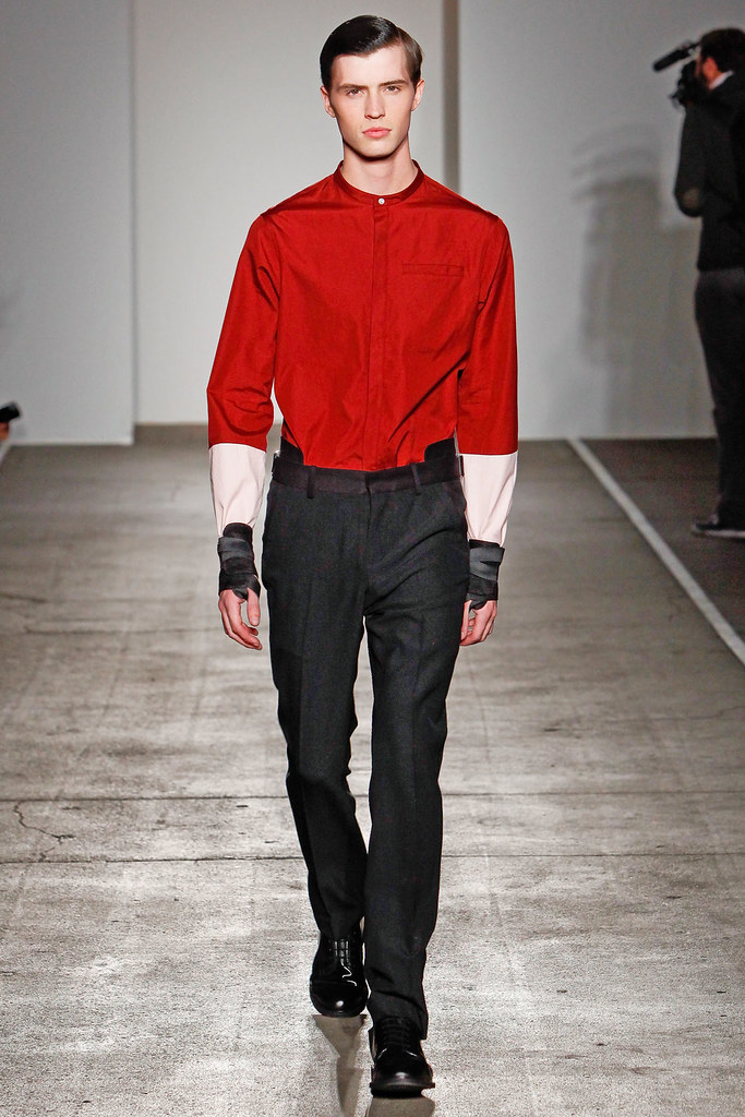 Taylor Cowan3010_FW12 NY Tim Coppens(VOGUE)