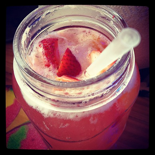 Peach-strawberry sangria at Joe's Crab Shack - yum!