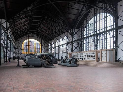 Maschinenhalle - Blick auf das Westportal by Rainer ❏