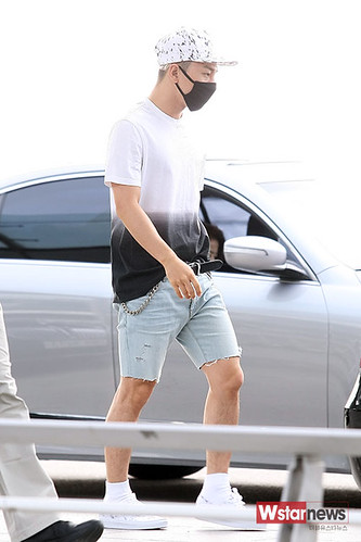 BIGBANG Incheon Airport to Shanghai Press 2015-06-19 083