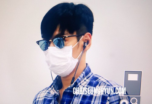 TOP arrival Seoul from Tokyo 2016-08-28 (3)