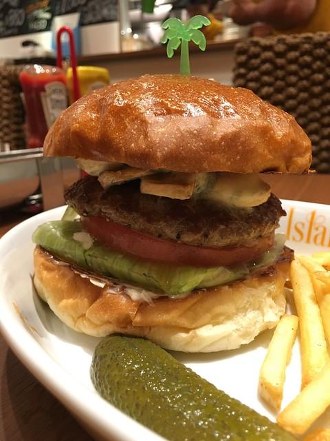 ヤシの木の生えたバーガーは、可愛さあり!味のバランスも良ろし!〜Island Burgers(四谷三丁目)〜