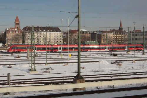 S-Bahn EMU stock: four articulated carriages with only five bogies