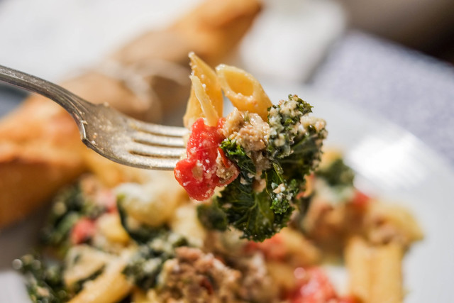 Deep Stir: Sausage and Kale Pasta Bake | The Junk Drunk