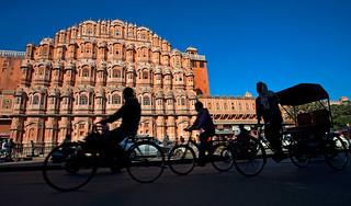 Life outside Hawa Mahal, Jaipur