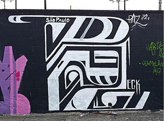 Street artist Federico Frum 5
