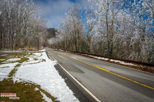 snow mountains nature landscape tennessee cherohalaskyway monroecounty thesussman unicoimountains sonyalphadslra550 sussmanimaging westrattlesnakerock