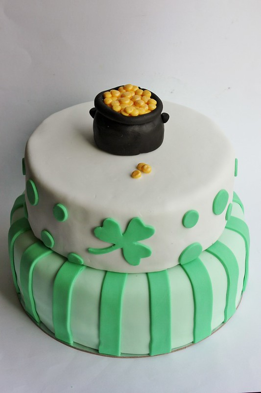Irish Pot of Gold Cake