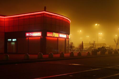 Nebbia su gli hamburger.. by Claudio61 una foto ferma un ricordo nel tempo